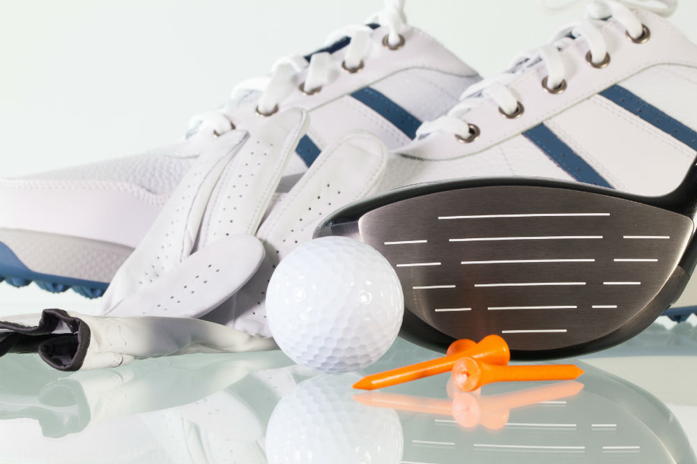 How to Choose Golf Shoes for Men